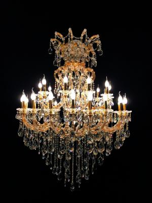 Lustre Cristal Dourado K9 31 lâmpadas